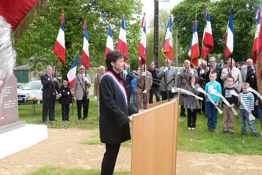 crmonie Jandun 9 mai 2013 3.JPG